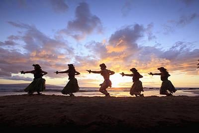Five Hula Dancers At Sunset At The Beach At Palauea Print by David Olsen