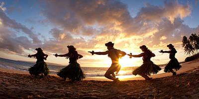 Five Hula Dancers On The Beach Art Print