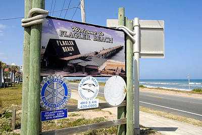 Photograph - Flagler Beach Welcome Sign by David Lee Thompson