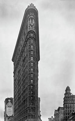 Photograph - Flatiron Building - 1938 by Gene Parks