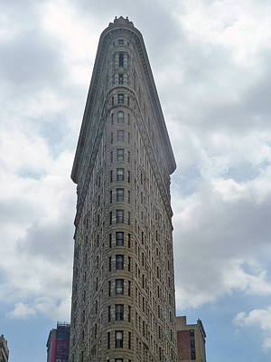 Photograph - Flatiron Building by Helen Haw