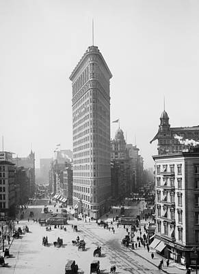 Photograph - Flatiron Building - Vintage New York - 1902 by War Is Hell Store