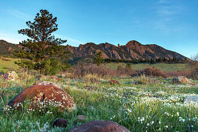 Photograph - Flatirons Sunrise by Philip Rodgers