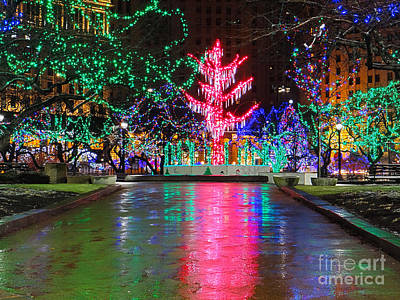 Photograph - Fleeting Moment Public Square Christmas by Mike Bruckman