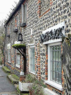 Photograph - Flint Cottage Upper Beeding by Dorothy Berry-Lound