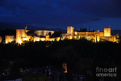 Photograph - Floodlit Alhambra by Rod Jones