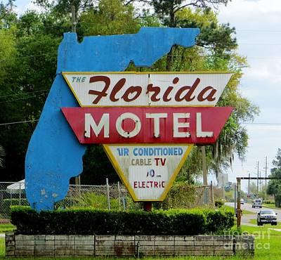 Photograph - Florida Motel by Tim Townsend