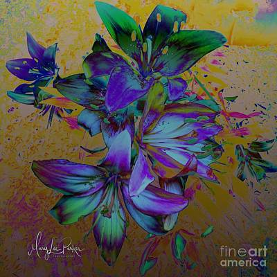 Mixed Media - Flowers For The Heart by MaryLee Parker