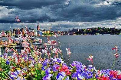 Flowers. Stockholm. Water. Original