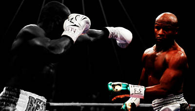 Floyd Mayweather Mixed Media - Floyd Mayweather Making Them Miss by Brian Reaves