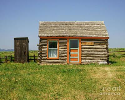 Photograph - Flueitt Simons Cabin by Roxie Crouch