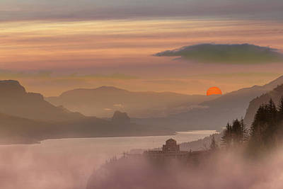 Wall Art - Photograph - Foggy Red Sun Sunrise At Columbia River Gorge by David Gn