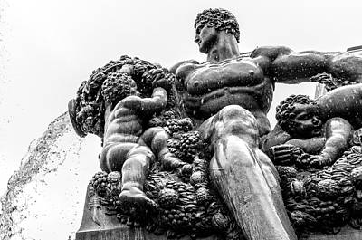 Photograph - Fontana Di Piazza Solferino-1 by Sonny Marcyan