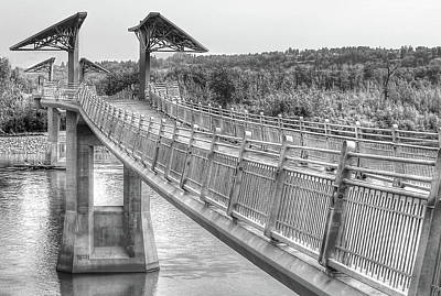 Photograph - Footbridge At Terwillegar Park by Jim Sauchyn
