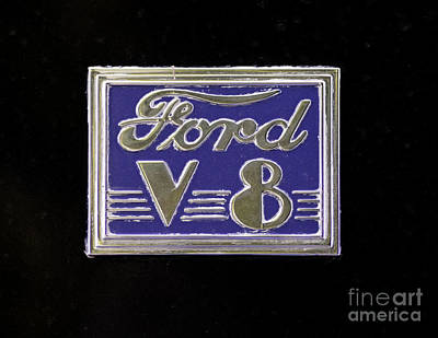 Photograph - Ford Logo by Les Palenik