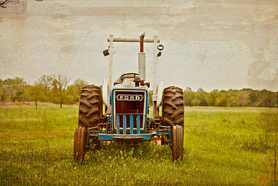 Wheel Thrown Photograph - Ford Tractor by Toni Hopper