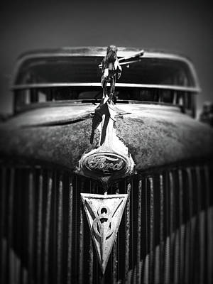 Photograph - Ford V8 Grill Teeth by Kelly Hazel