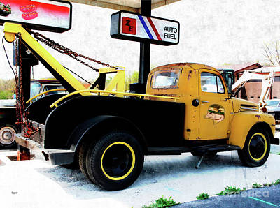 F5 Photograph - Ford Wrecker  by Steven Digman