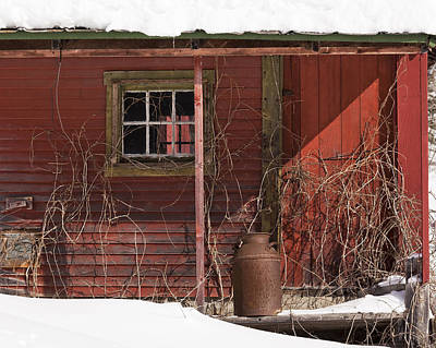 Photograph - Forgotten Barn by Alan L Graham