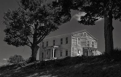 Photograph - Forgotten House by Todd Rojecki