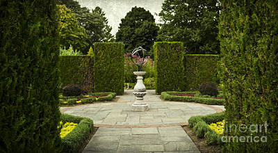 Photograph - Quiet Garden Space At Niagara Falls Botanical Gardens by Maria Janicki