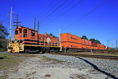Photograph - Former Reading Sw1001 Locomotive by Joseph C Hinson Photography