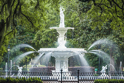 Forsyth Fountain Art Print by Steven Bateson
