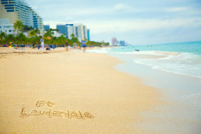 Canon Eos 5d Mark Iii Photograph - Fort Lauderdale. by Yuri Figuenick
