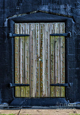 Photograph - Fort Moultrie Sc Battery Jasper Door by Dale Powell