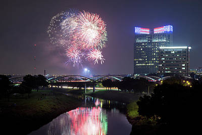 Photograph - Fort Worth Forth Celebration 41017 by Rospotte Photography