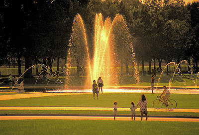 Photograph - Fountain On Mall In Washington Dc by Carl Purcell