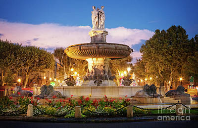 Photograph - Fountaine De La Rotonde by Scott Kemper