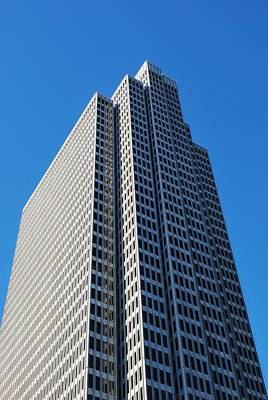 Photograph - Four Embarcadero Center Office Building - San Francisco - Vertical View by Matt Harang