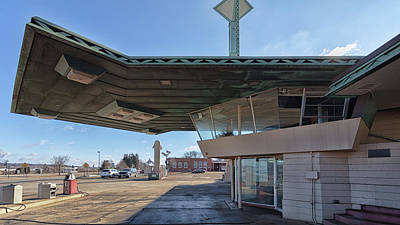 Photograph - Frank Lloyd Wright Cantilevered Canopy by Susan Rissi Tregoning