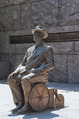 Photograph - Franklin D. Roosevelt Statue  by Patricia Hofmeester