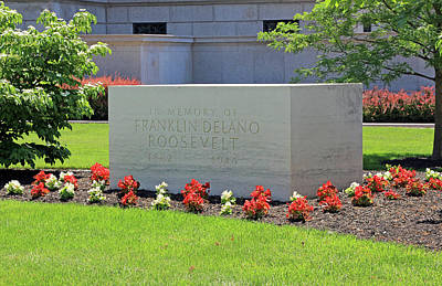 Photograph - Franklin Roosevelt's Preferred Memorial by Cora Wandel