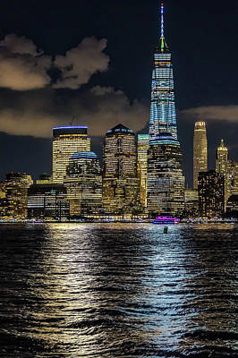 Photograph - Fredoom Tower Nyc by Francisco Gomez