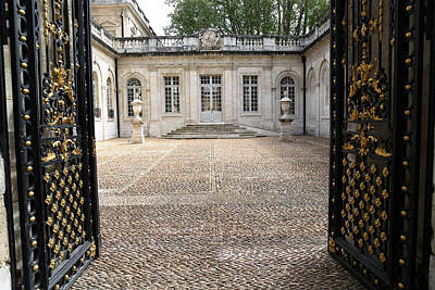 Photograph - French Courtyard by Andrew Fare