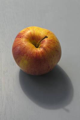 Stellar Interstellar - Fresh red apple by Ulrich Kunst And Bettina Scheidulin