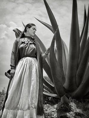Painter Photograph - Frida Kahlo 1937 by Carlos Lazurtegui