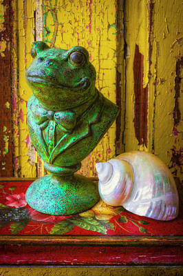 Photograph - Frog Statue And Seashell by Garry Gay