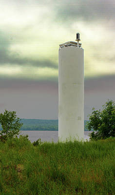 Photograph - Front Range Light At Christmas Mi by Jeff Kurtz