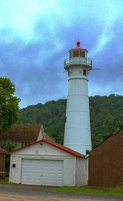 Photograph - Front Range Light, Munising, Mi by Jeff Kurtz