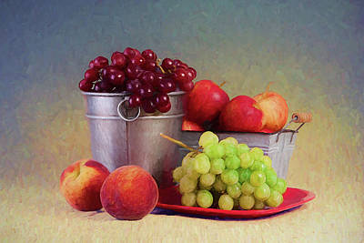Grape Wall Art - Photograph - Fruits On Centerstage by Tom Mc Nemar