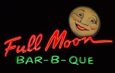 Que Photograph - Full Moon Bar-b-que 2 by Timothy Smith