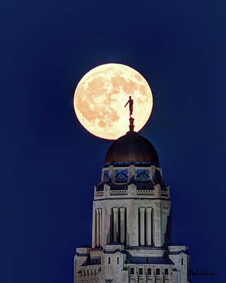 Photograph - Full Moon Before The Eclipse by Mark Dahmke