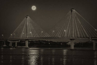 Photograph - Full Moon Over Alton Il-bnw-7r2_dsc2455_16-11-13 by Greg Kluempers