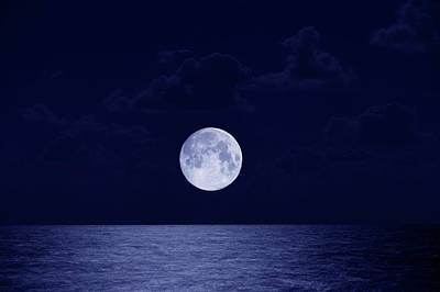 Full Moon Over Ocean, Night Art Print by Buena Vista Images