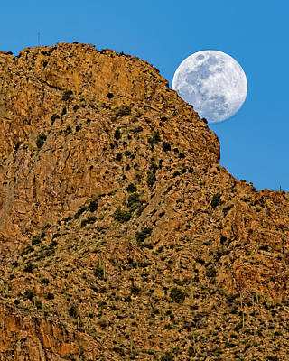 Photograph - Full Moon Pusch Ridge V1848 by Mark Myhaver