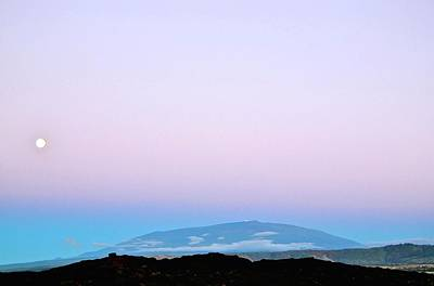 Photograph - Full Moon Rising At Dusk Over Mauna Kea by Lehua Pekelo-Stearns